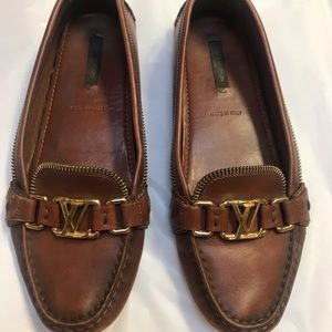 Louis Vuitton oxford leather loafers